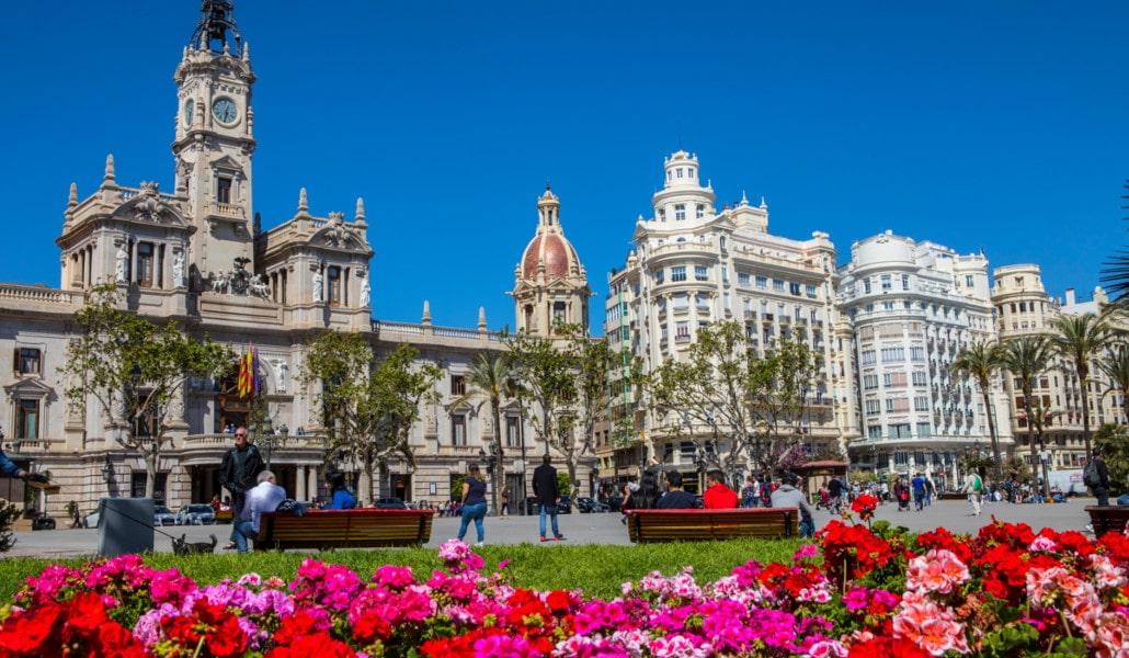 Valencia y su nueva Plaza del Ayuntamiento.Artículo escrito por la escuela de español INTEREUROPA